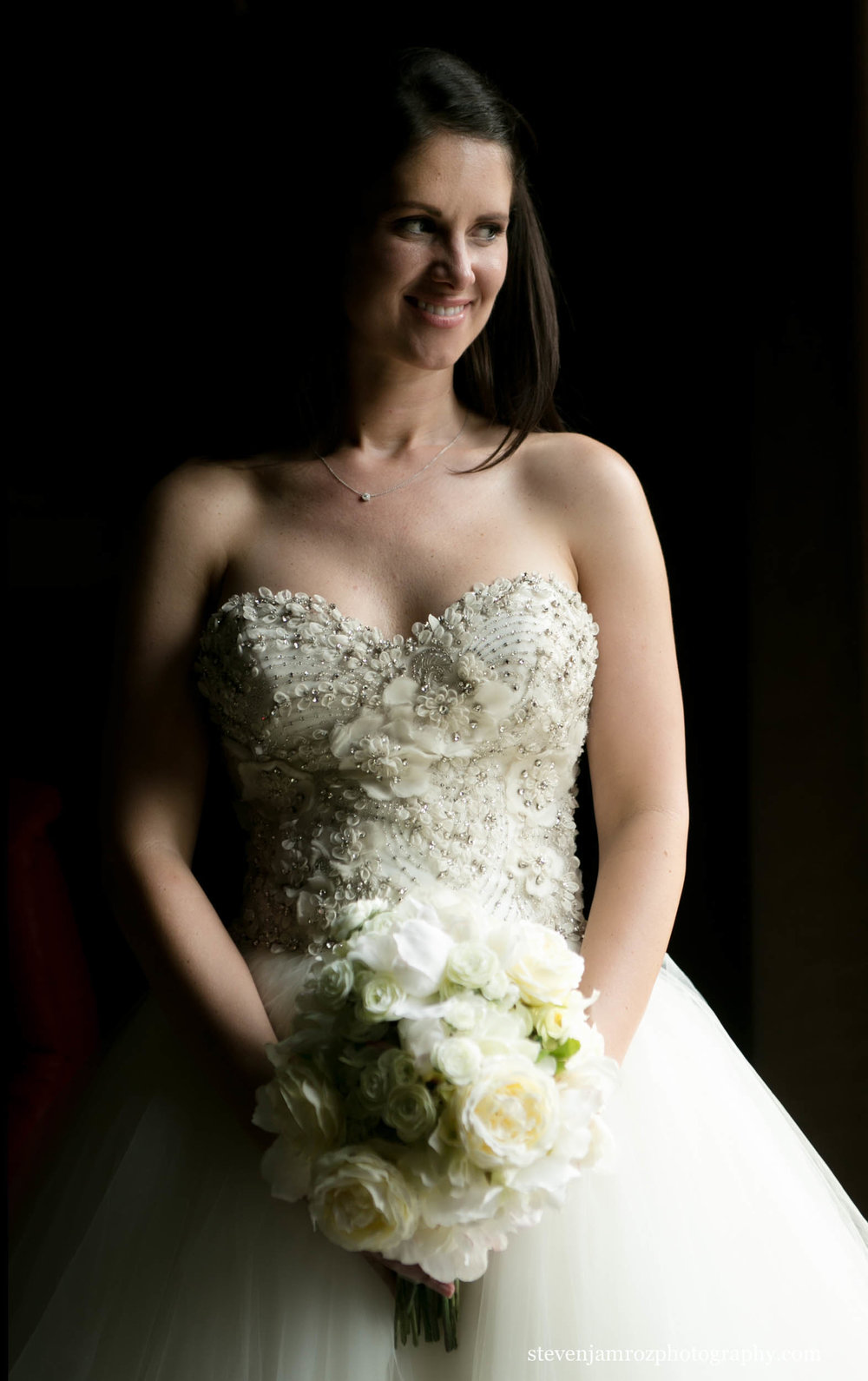 yellow-white-flowers-bride-portrait-wedding-steven-jamroz-0742.jpg