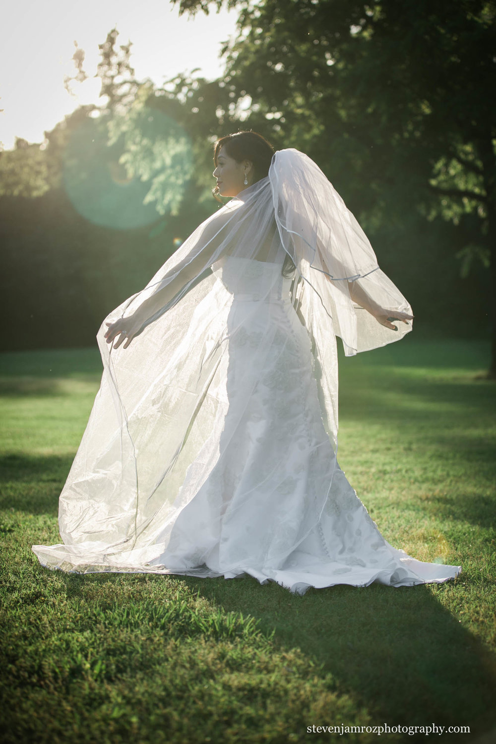 backlit-wedding-dress-in-raleigh-steven-jamroz-photography-0247.jpg