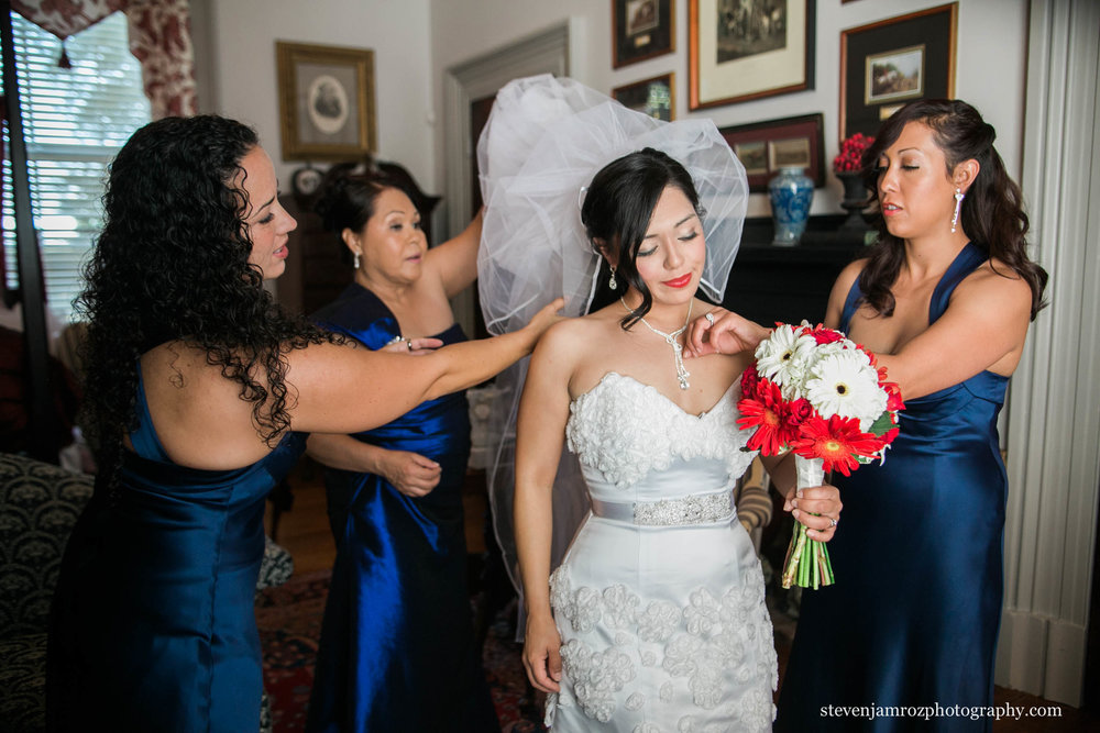 blue-dresses-bridesmaids-raleigh-nc-steven-jamroz-photography-0053.jpg