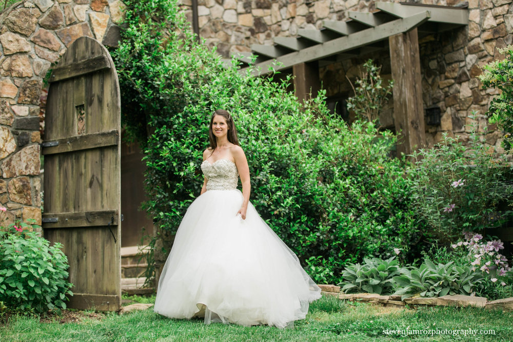 bridal-portrait-in-garden-chapel-hill-steven-jamroz-photography-0371.jpg