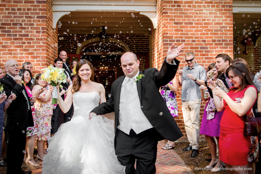 bubble-exit-wedding-peace-college-raleigh-nc-steven-jamroz-photography-0141.jpg