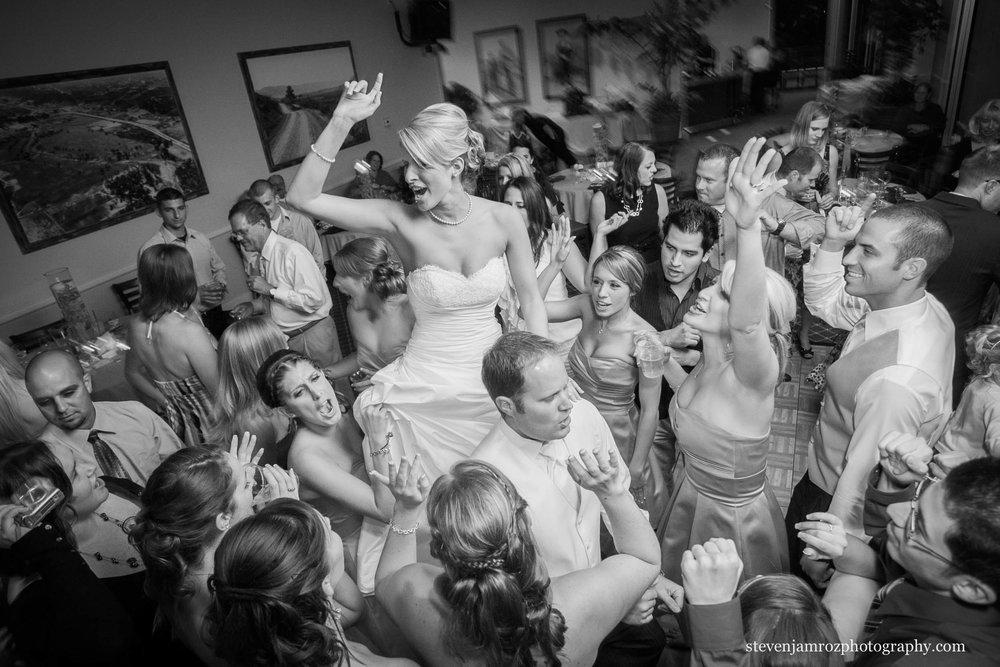 chapel-hill-nc-wedding-celebration-dancing-steven-jamroz-photography-0400.jpg