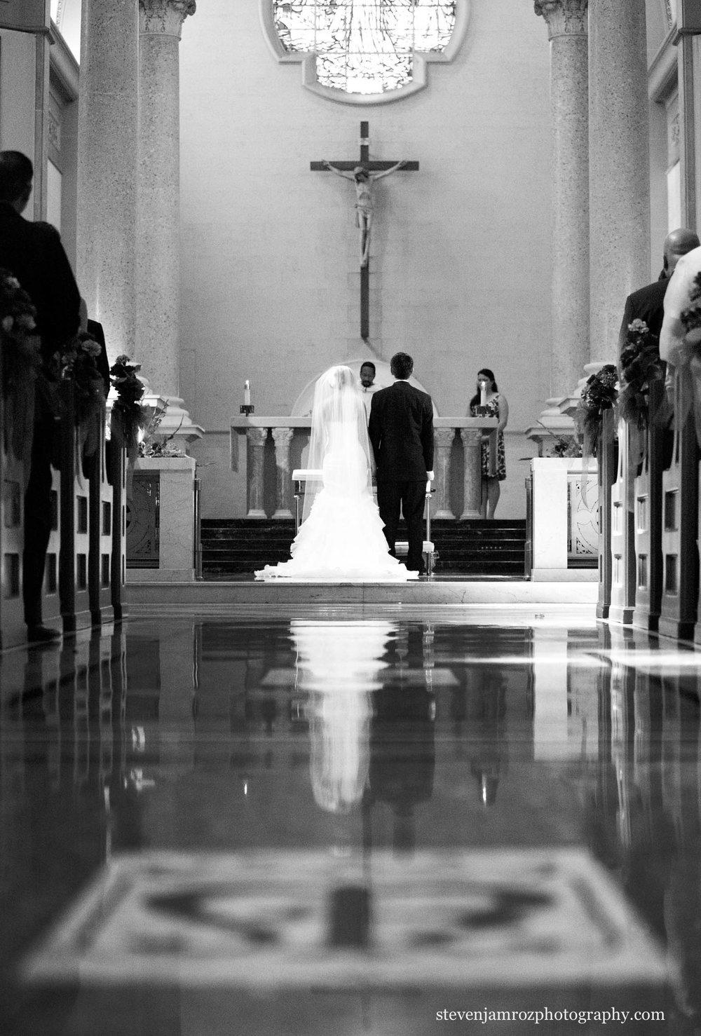 church-wedding-reflection-floor-raleigh-wedding-photos-steven-jamroz-0726.jpg
