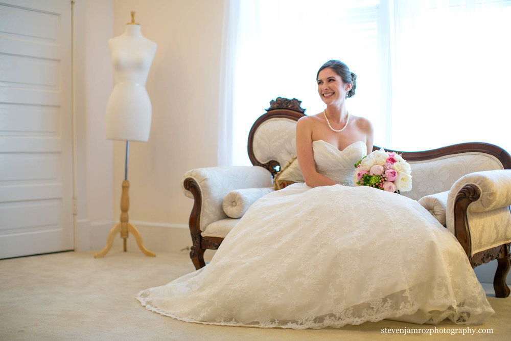couch-bride-wedding-hudson-manor-steven-jamroz-photography-0253.jpg