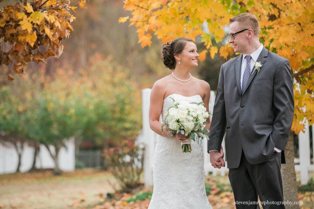 couple-portrait-fall-wedding-hudson-manor-steven-jamroz-photography-0583.jpg