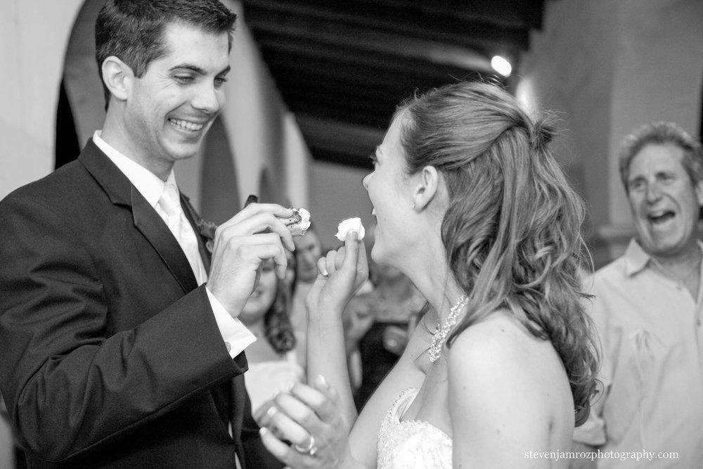 cutting-cake-wedding-raleigh-steven-jamroz-photography-0590.jpg
