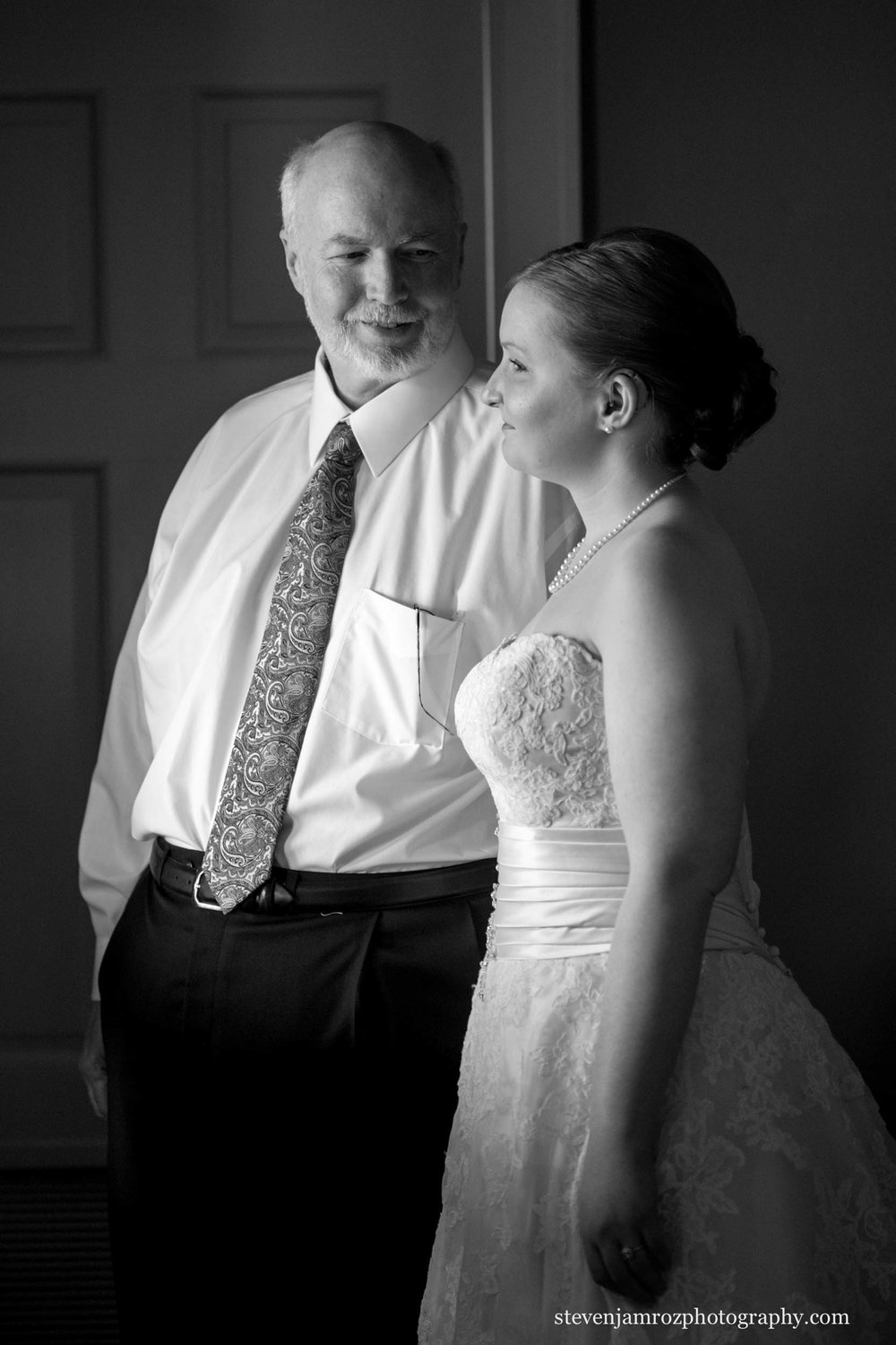 dad-bride-reflect-before-ceremony-wedding-charlotte-nc-steven-jamroz-0733.jpg