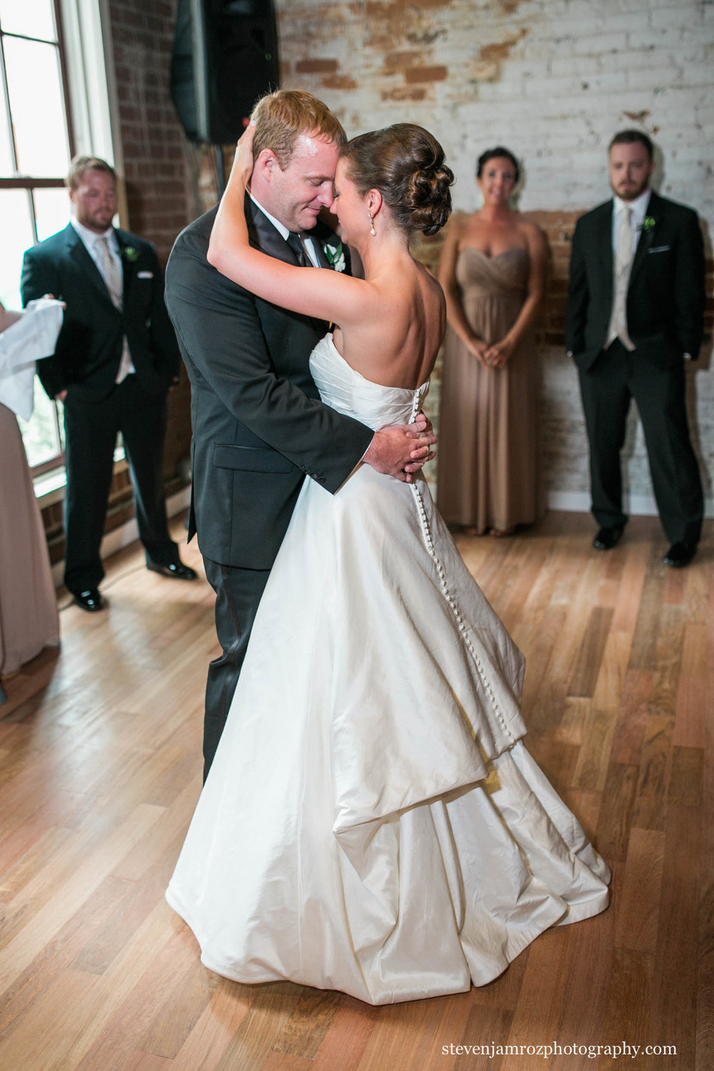 dancing-busy-bee-wedding-raleigh-steven-jamroz-photography-0336.jpg