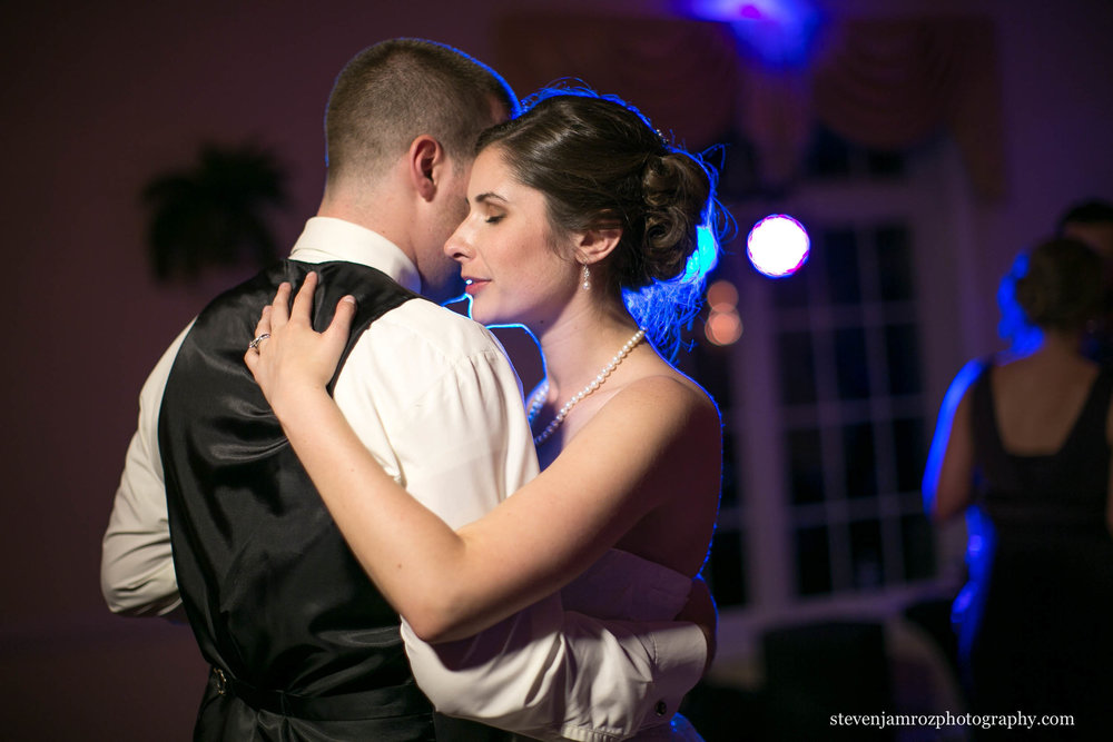 dramatic-first-dance-raleigh-steven-jamroz-photography-0087.jpg