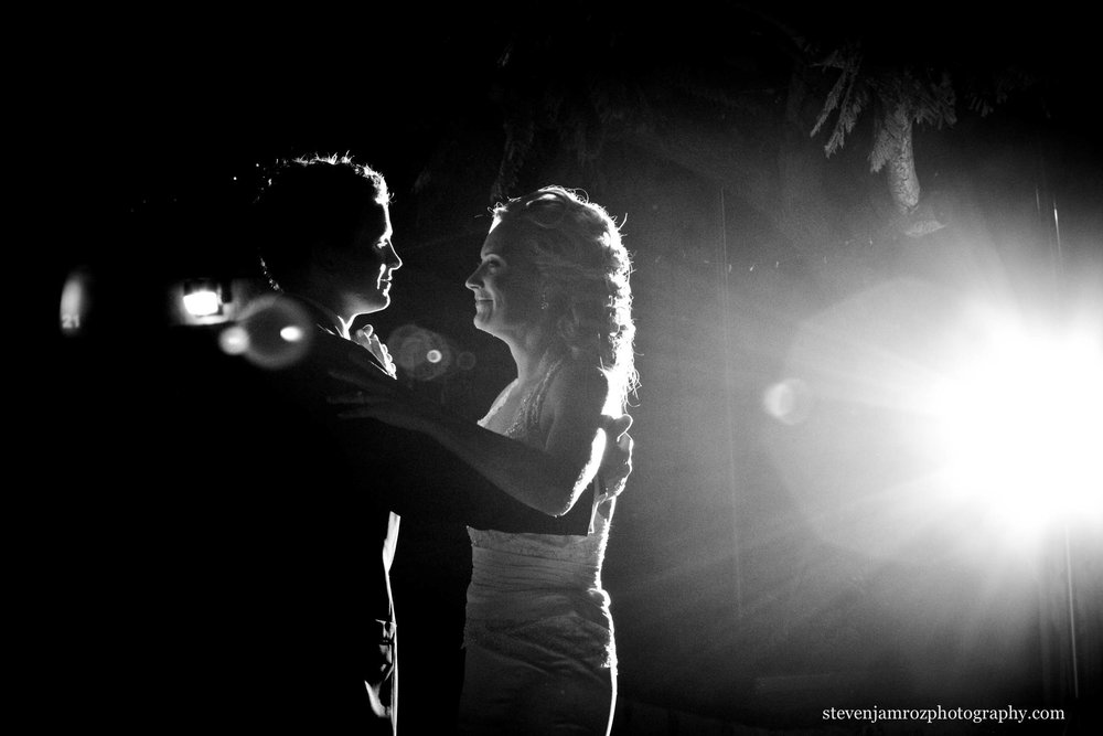 first-dance-in-dark-beautiful-photography-0956.jpg