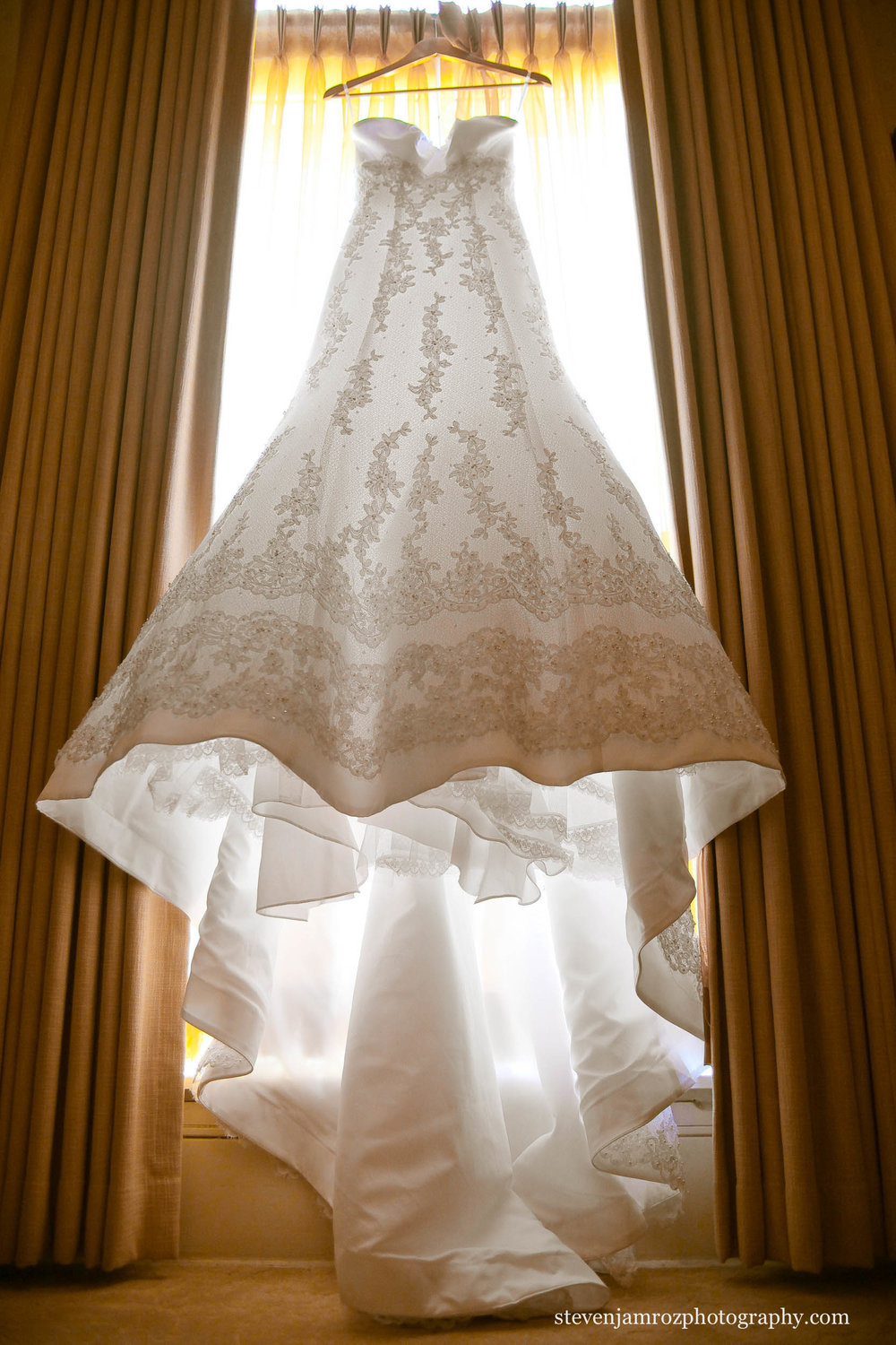 hanging-wedding-dress-raleigh-nc-wedding-steven-jamroz-photography-0470.jpg