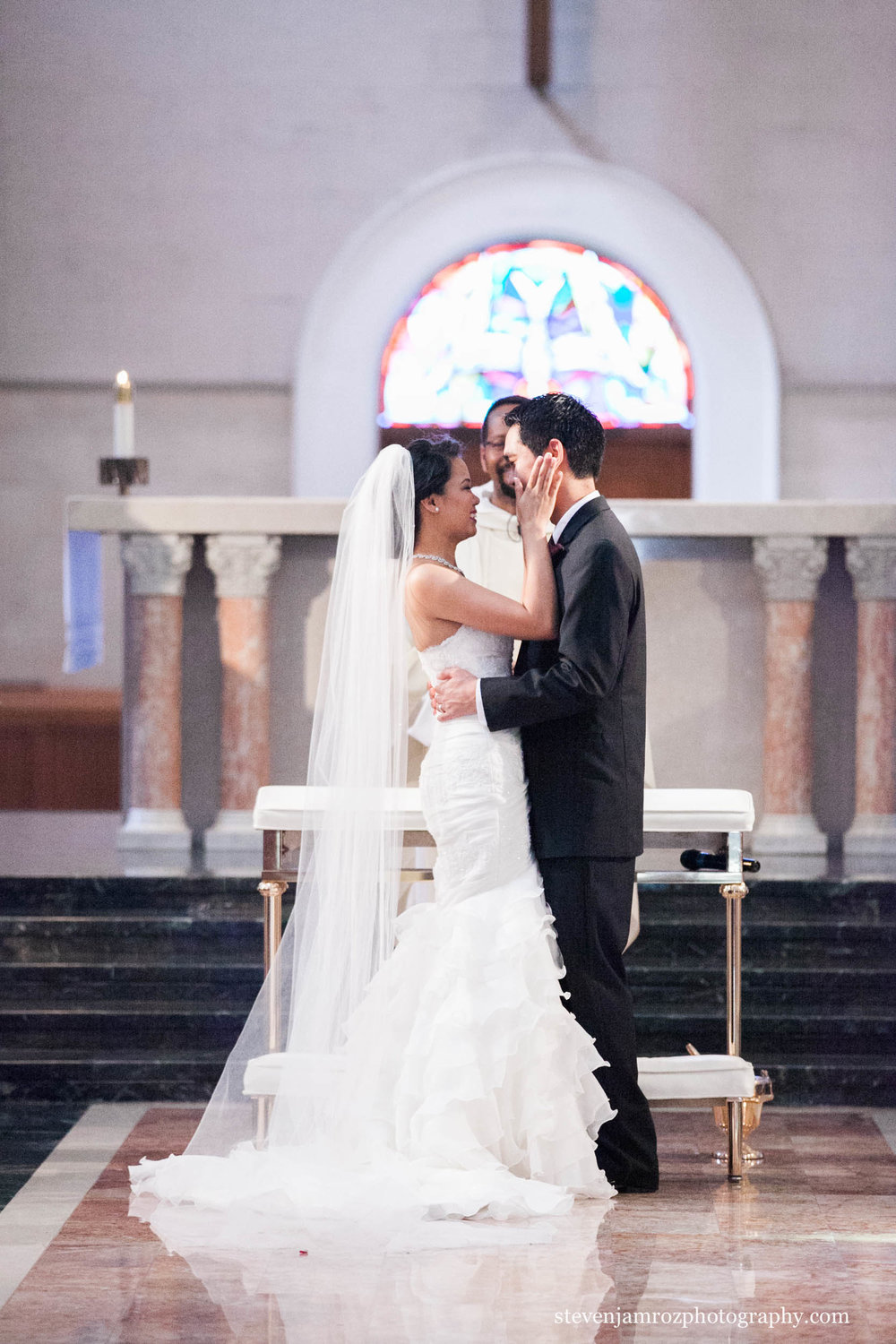 kiss-in-chapel-wedding-chapel-hill-steven-jamroz-photography-0233.jpg