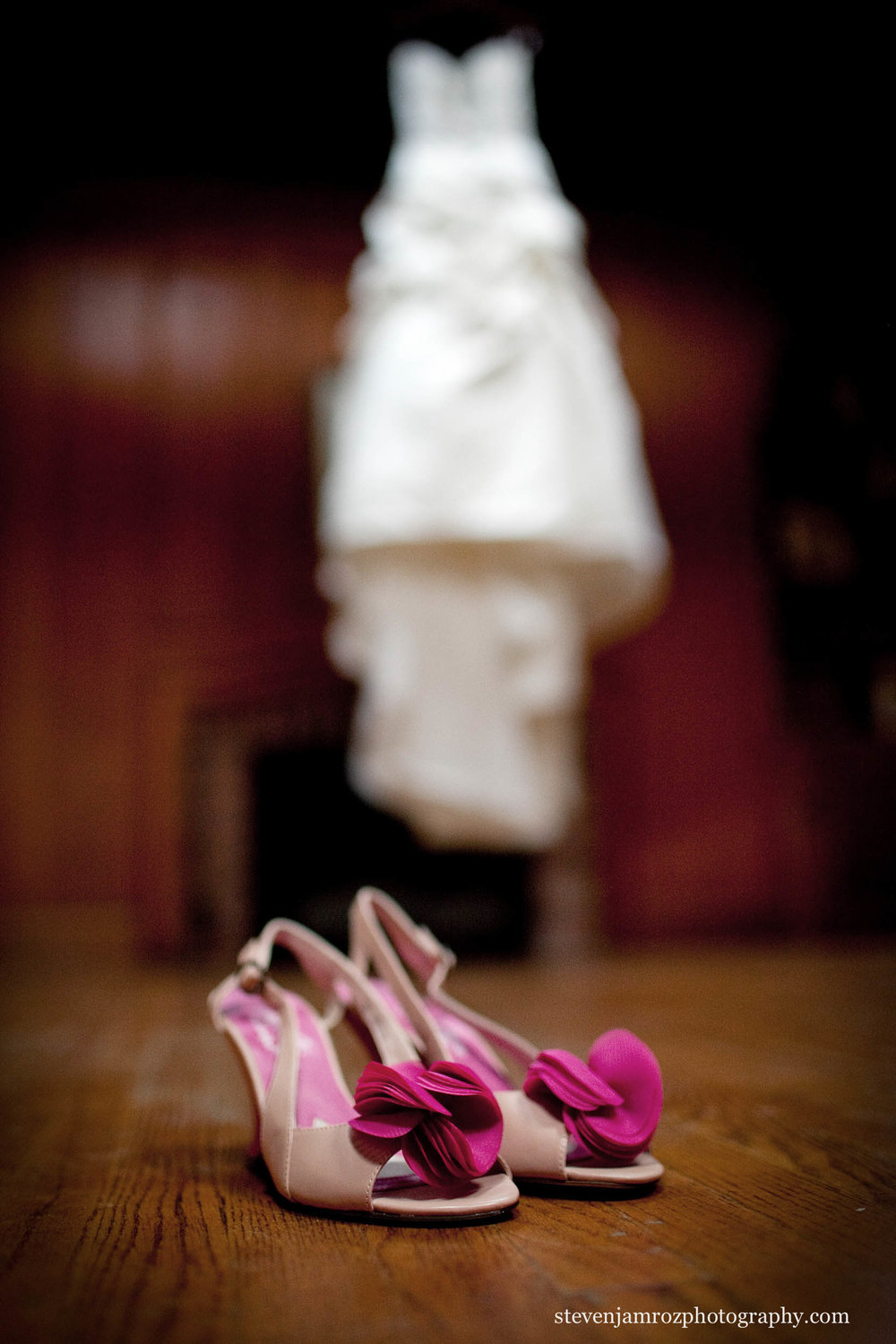 pink-wedding-shoes-nc-wedding-steven-jamroz-photography-0564.jpg
