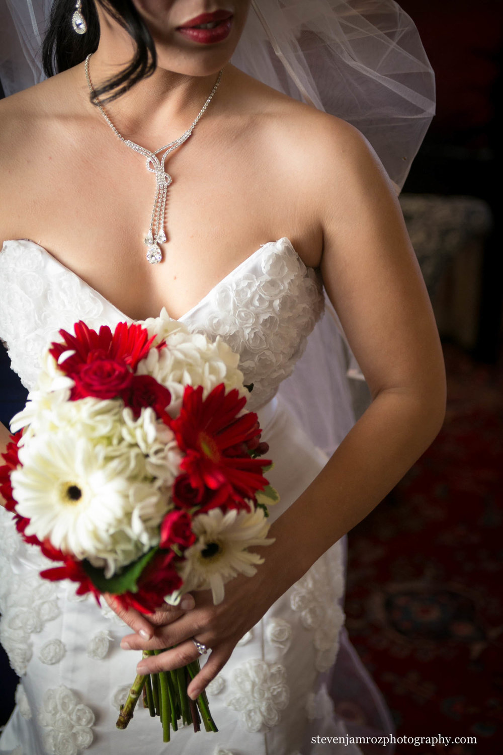 red-white-wedding-flowers-raleigh-steven-jamroz-photography-0312.jpg