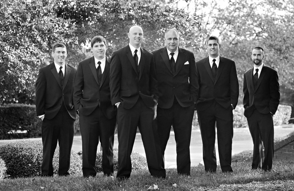 six-groomsmen-portrait-raleigh-photography-0938.jpg