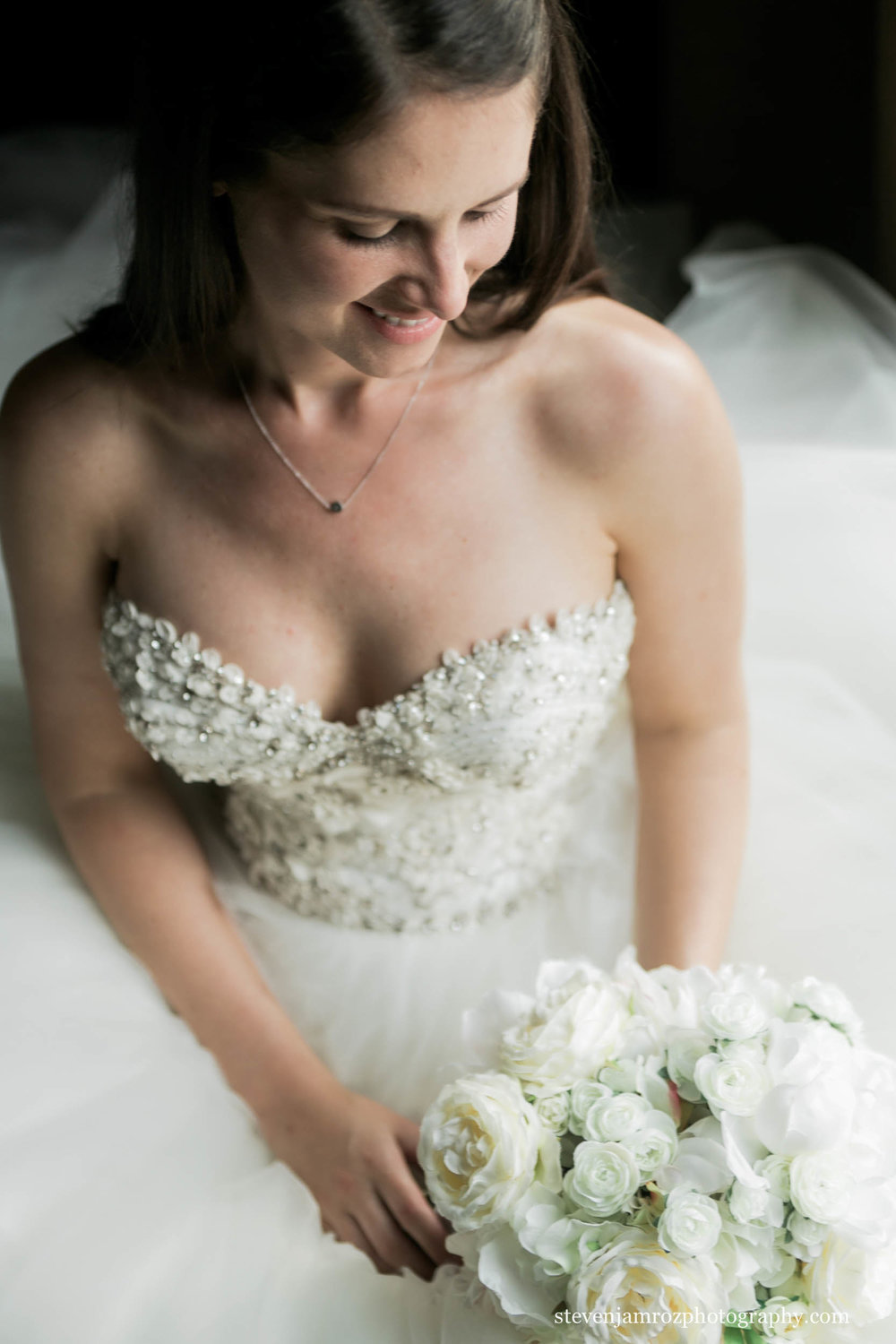 soft-window-bridal-portrait-raleigh-steven-jamroz-photography-0311.jpg