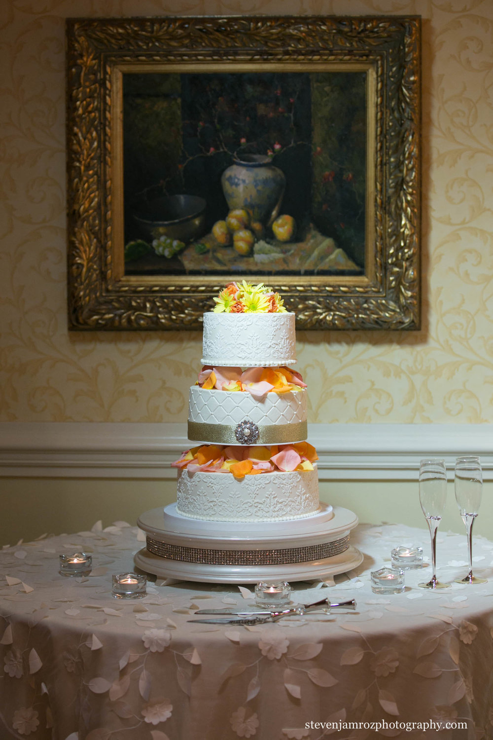 steven-jamroz-photography-raleigh-country-club-wedding-cake-0575.jpg