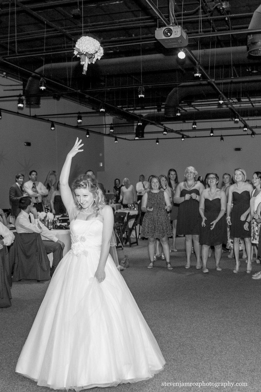 toss-bouquet-wedding-marbles-museum-raleigh-steven-jamroz-photography-0318.jpg