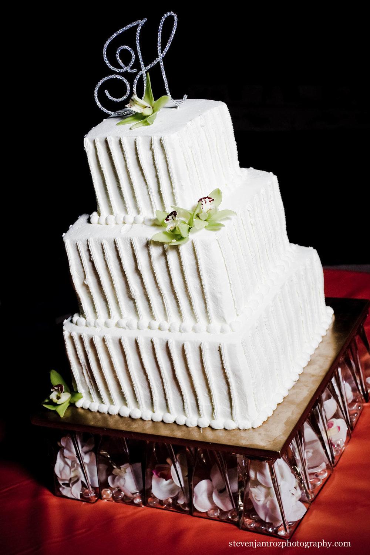 wedding-cake-chapel-hill-nc-steven-jamroz-photography-0396.jpg