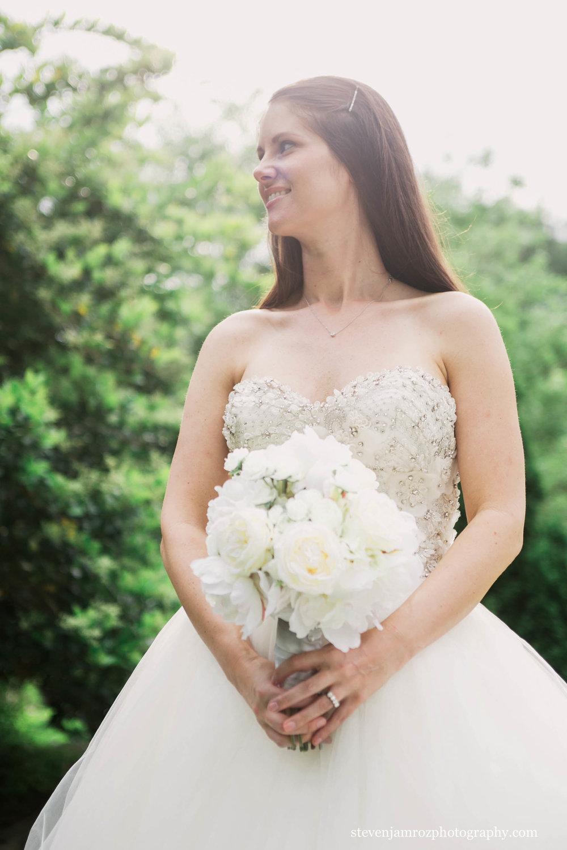 white-dress-white-flowers-steven-jamroz-photography-0534.jpg