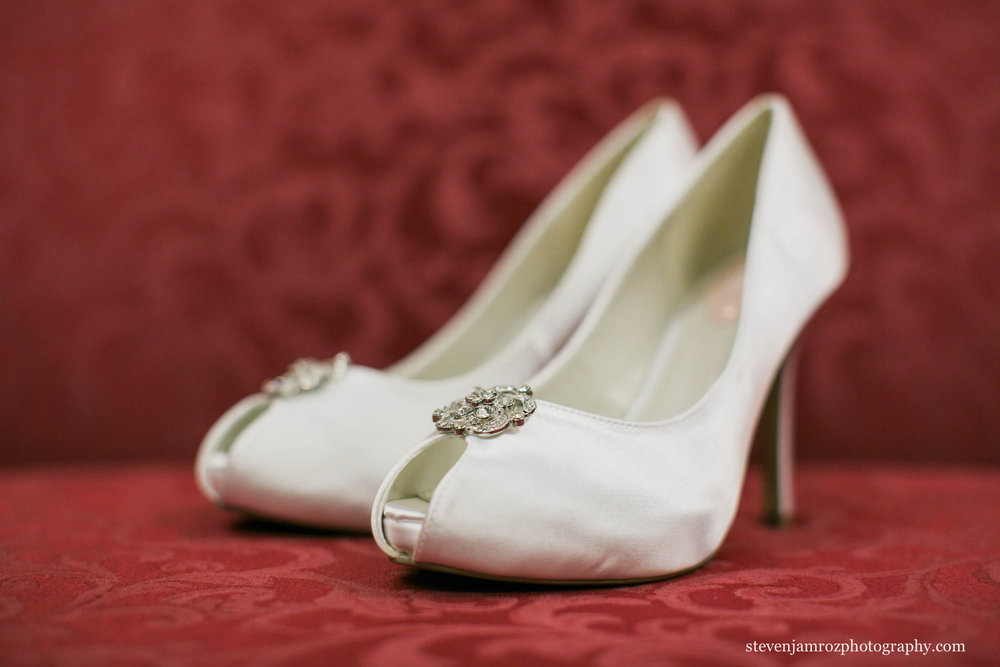 white-shoes-wedding-steven-jamroz-photography-0294.jpg