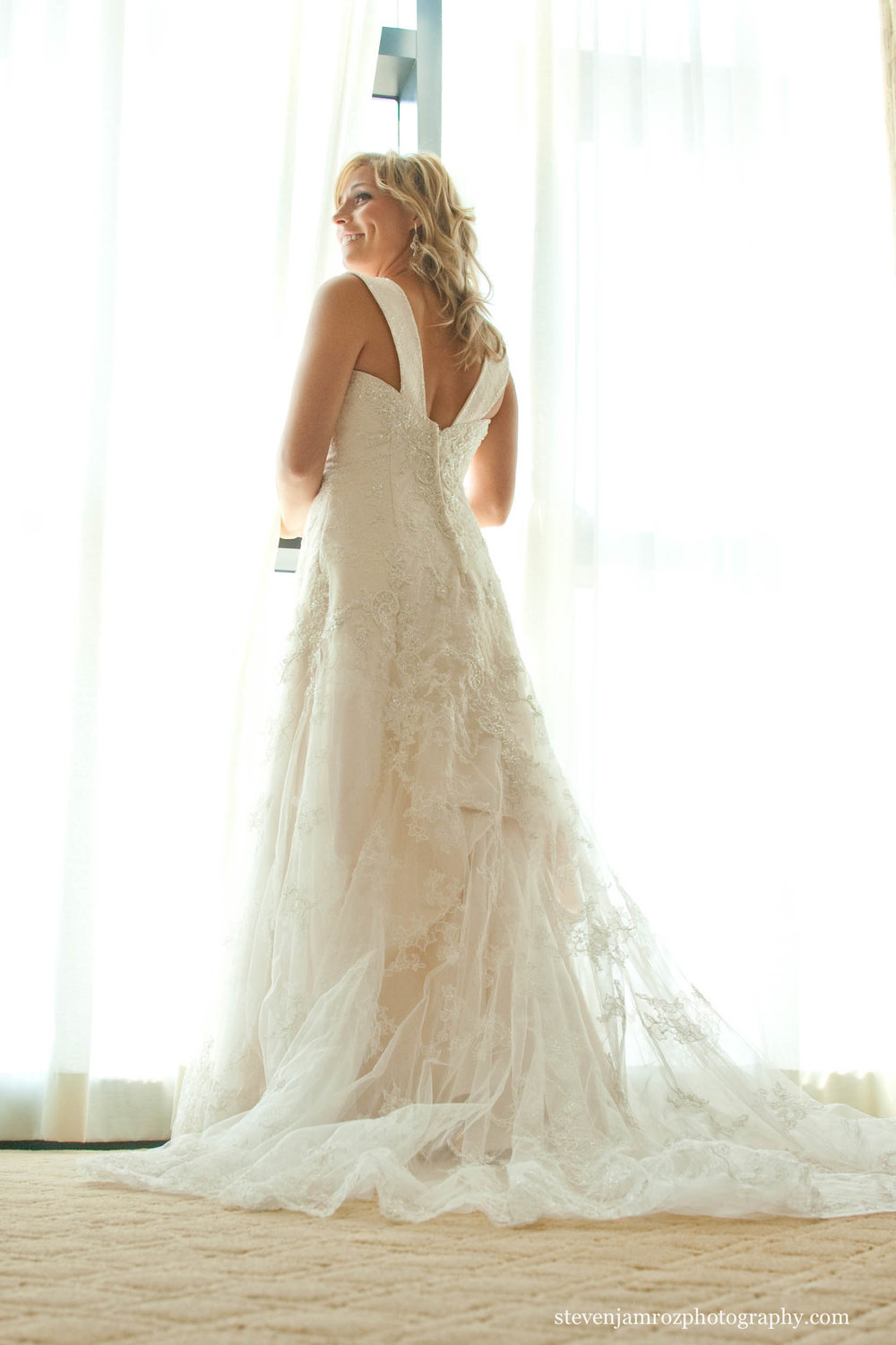 window-long-wedding-dress-steven-jamroz-photography-0222.jpg