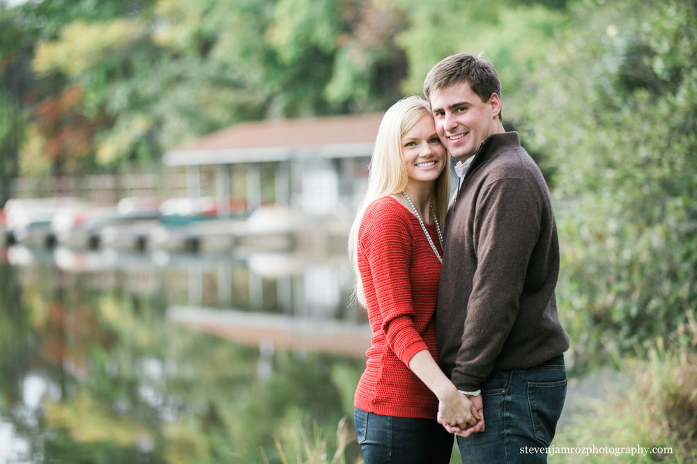holding-hands-couple-engagement-session-umstead-park-raleigh.jpg