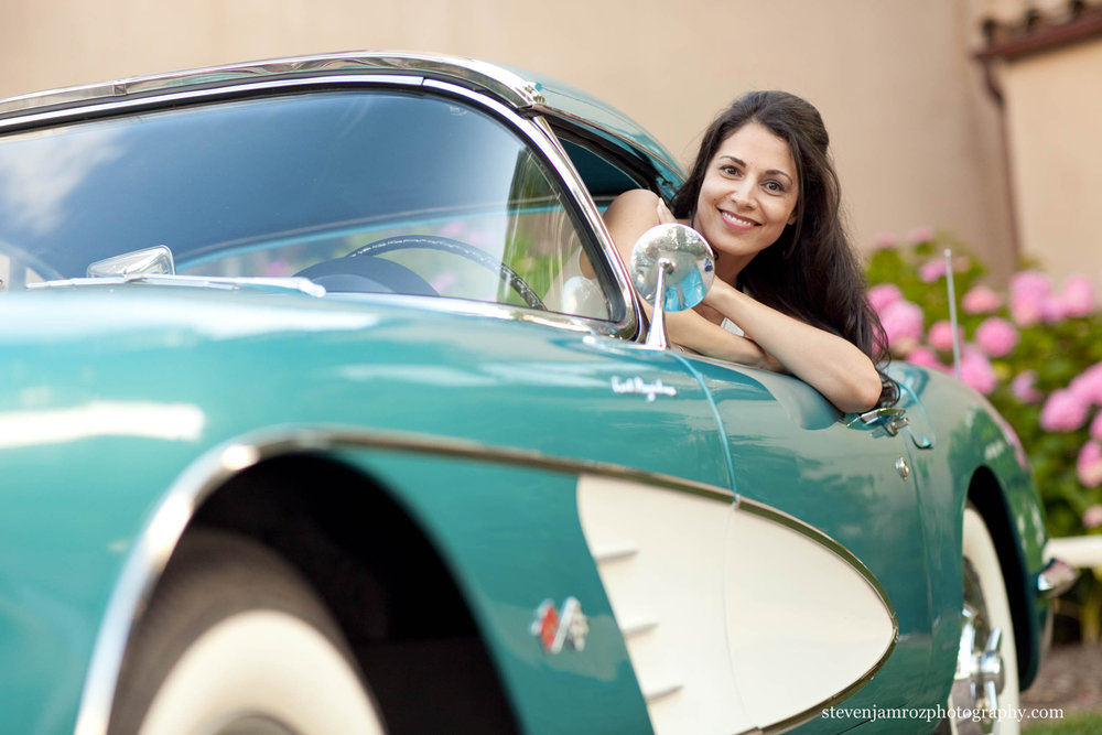 bride-in-old-corvette-car-wedding-photography.jpg