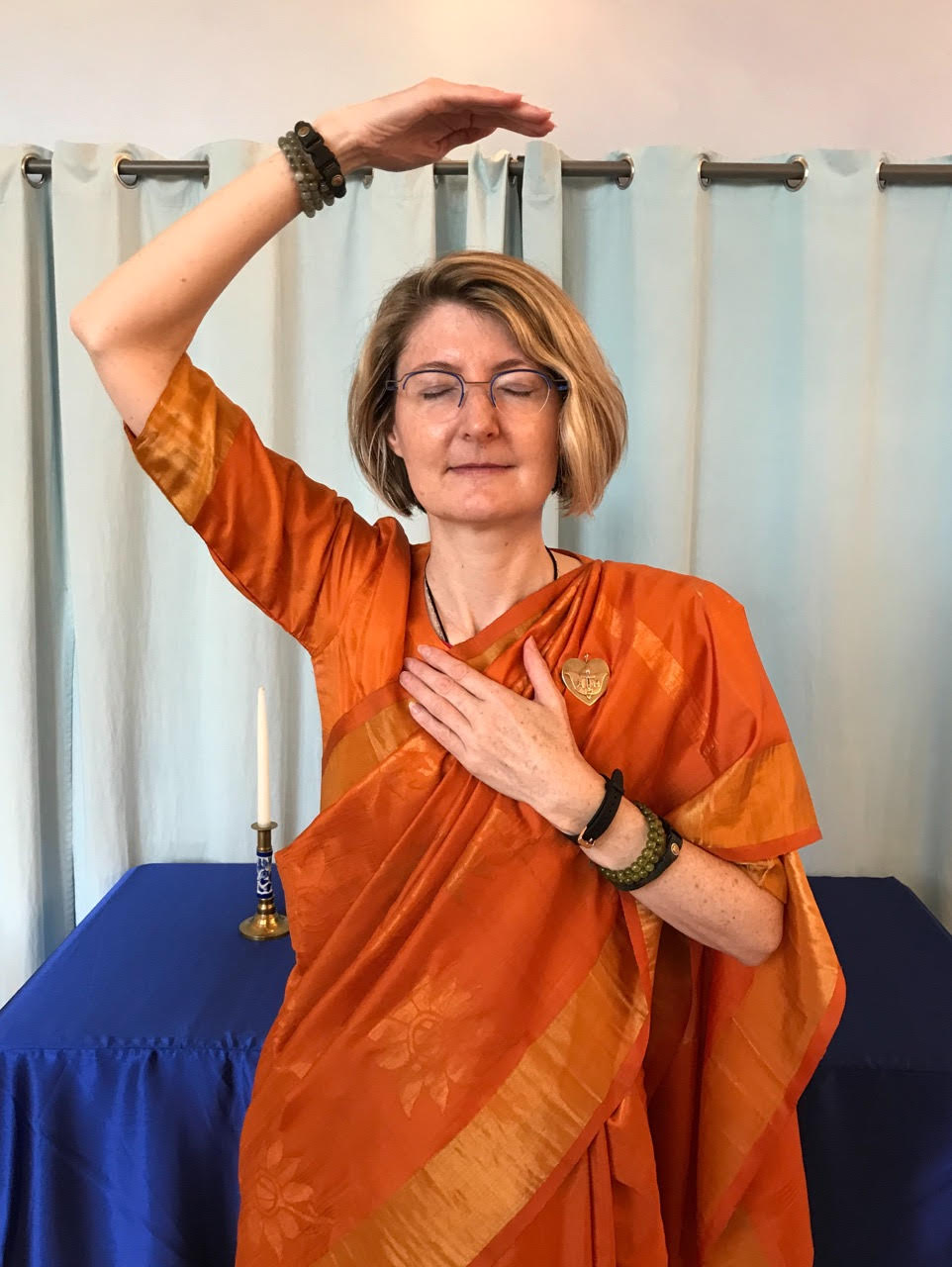 Mudra for heart of yourself meditation