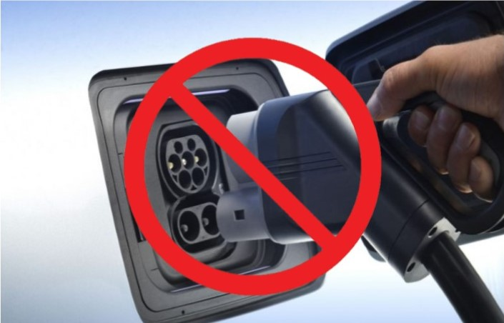 charging trucks electric.jpg