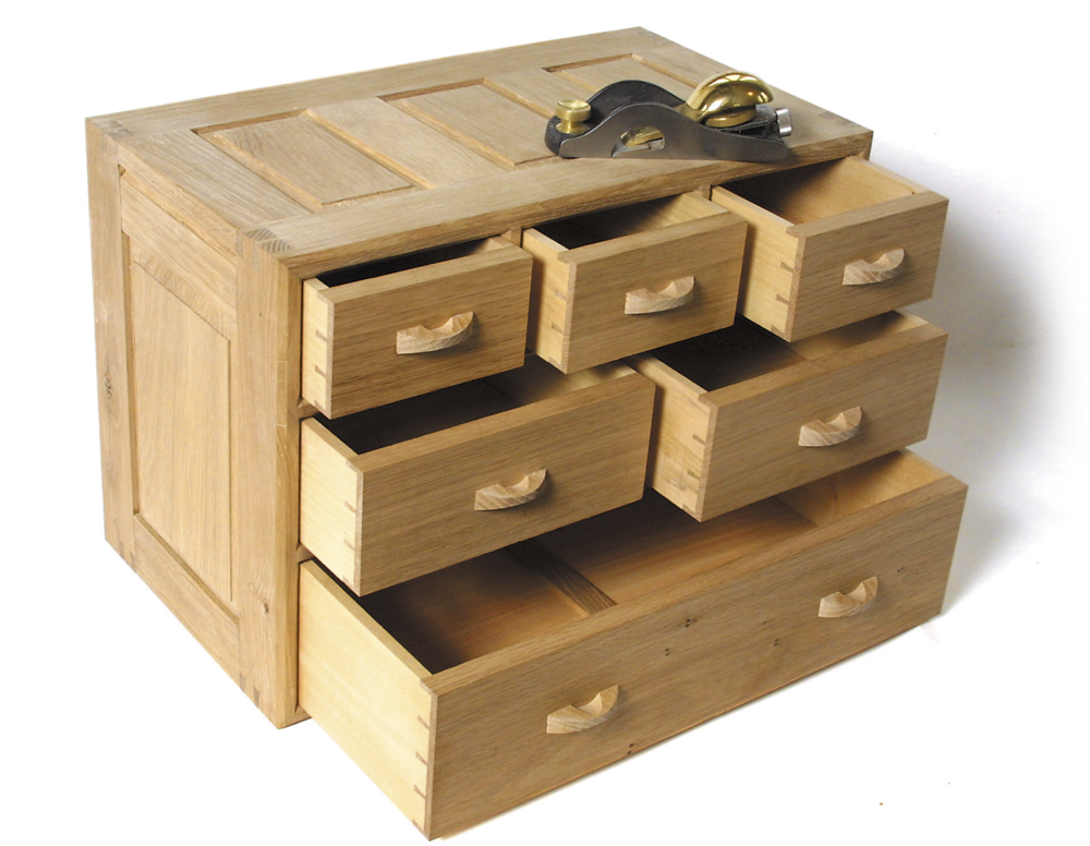 Oak chest of drawers jointed entirely with the WoodRat.