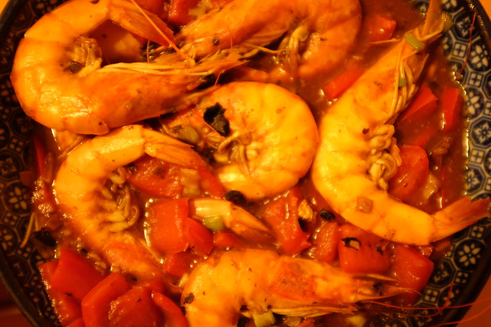 I'm telling you. Shrimp heads are really good! Just suck out the brains, don't eat the shell. Especially satisfying while watching the Walking Dead or my favorite so-bad-it's-good science fiction movie,  Starship Troopers .