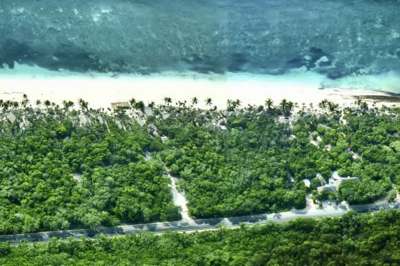 Tulum-ariel-view-and-beach-road-photo.jpg