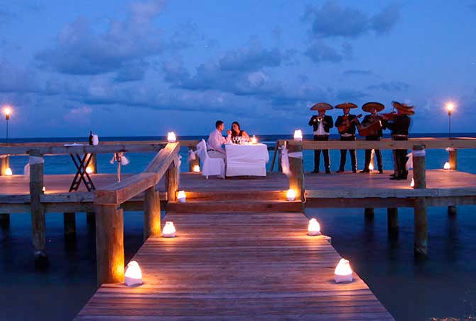 bahia princ romantic dinner.jpg