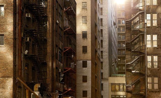buildings-498198_640.jpg