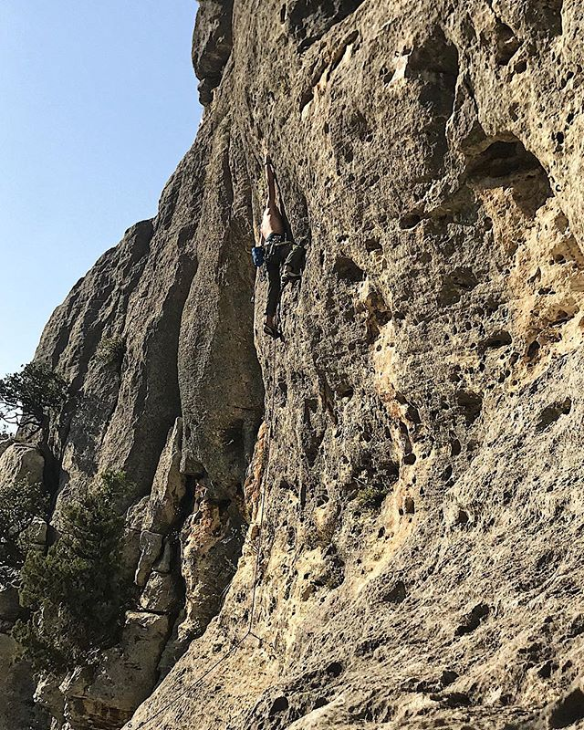 My good old friend, it's been too long. I've missed you Rock. 🧗♂️ . . . . . #climbing #rockclimbing #outdoor #weekend #southoffrance