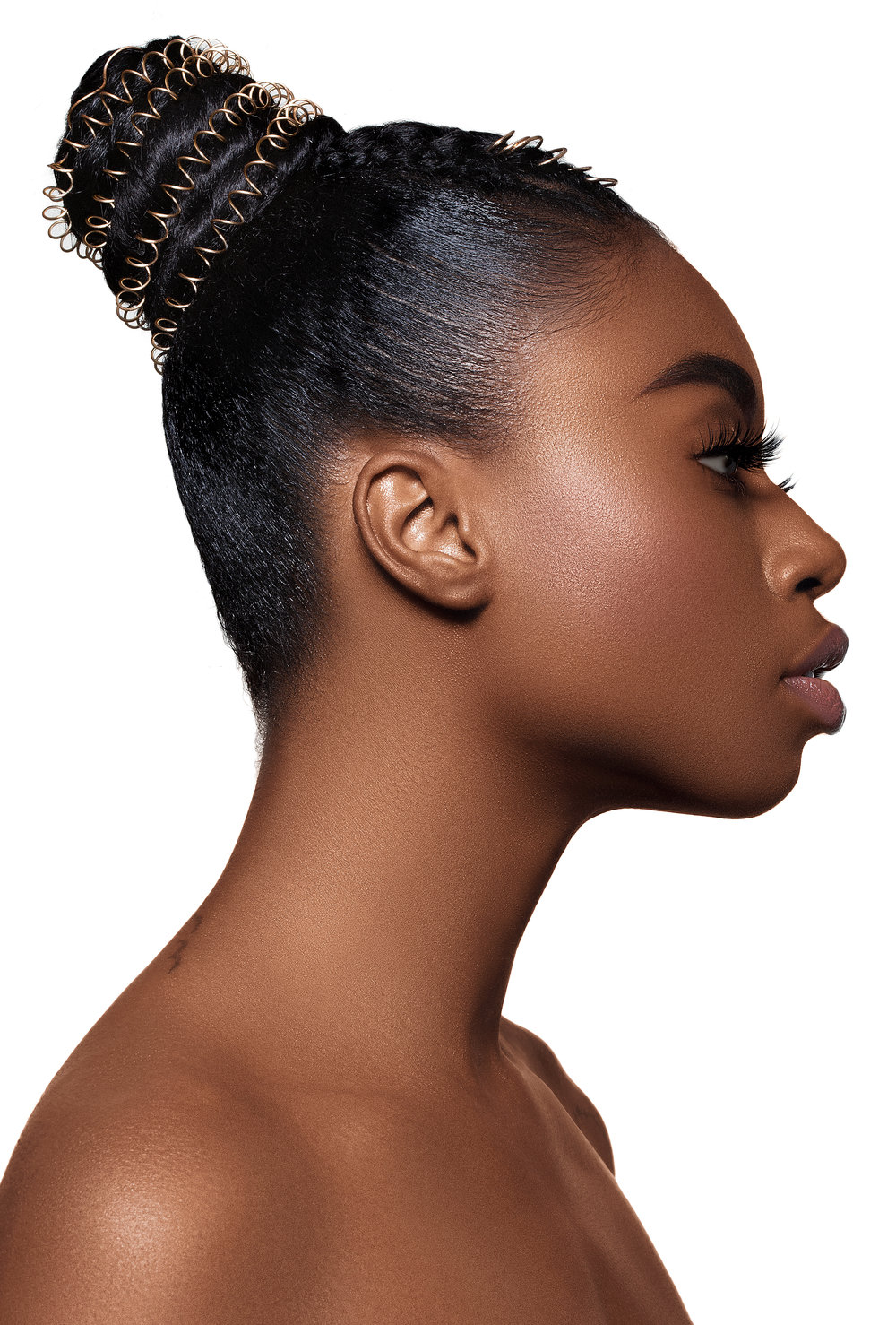 Yasss! Take you basic bun to new levels with this protective hairstyle!