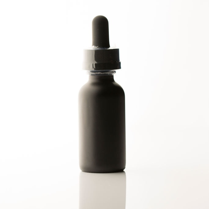 Tinctures - Tinctures are liquid forms of marijuana concentrates that are often combined with other botanicals and herbs. They are applied sublingually (under the tongue), via a dropper or spray. The cannabinoids immediately enter the bloodstream through the vessel-rich tissues in the mouth. Like capsules, marijuana tinctures and oils are great options for patients who want to control their precise dosage. Tinctures and oils have a fairly quick onset at 15-45 minutes, and the effects generally last four to six hours.