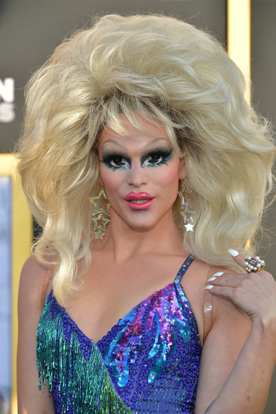 Willam+Belli+Premiere+Warner+Bros+Pictures+ReIZKHvZQkBl.jpg