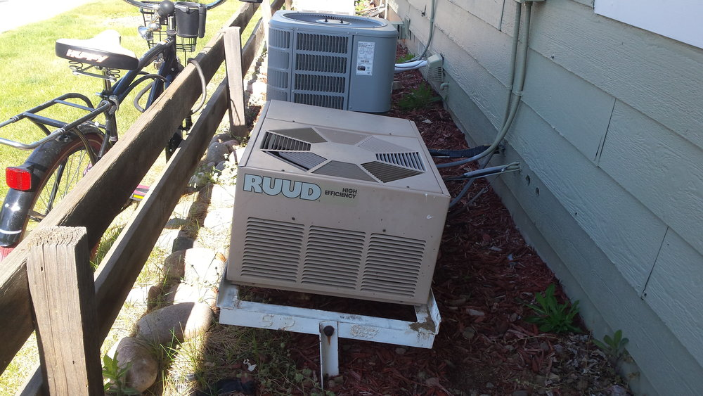 Exterior A/C units must be level. A tilt as little as 10° could cause damage to the compressor and also put stress on refrigerant lines.