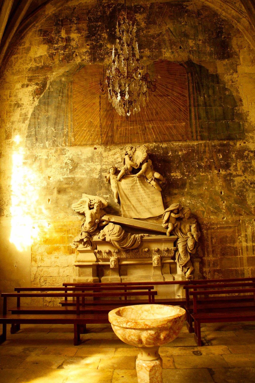 Church, Arles, 2012 ©