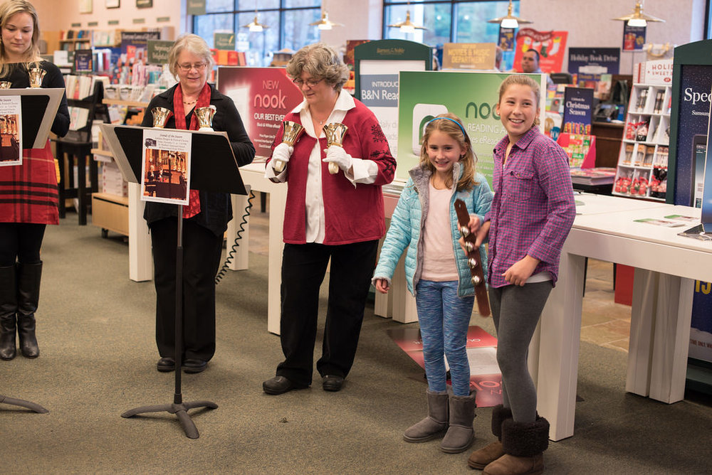 Handbell Caroling with children[B & N_2015].jpg