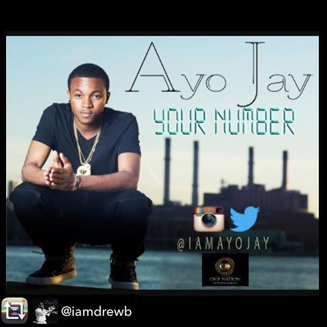 @tharealdjcmoney, @pilas__, & @iamdrewb will be on the air interviewing @iamayojay from 7-8pm EST!!! Tune in locally on Power 106.1FM or listen live on our website!!! #linkinbio 💯🎙