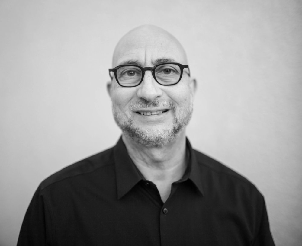 Scott Edelstein Author Photo D_bw.jpg