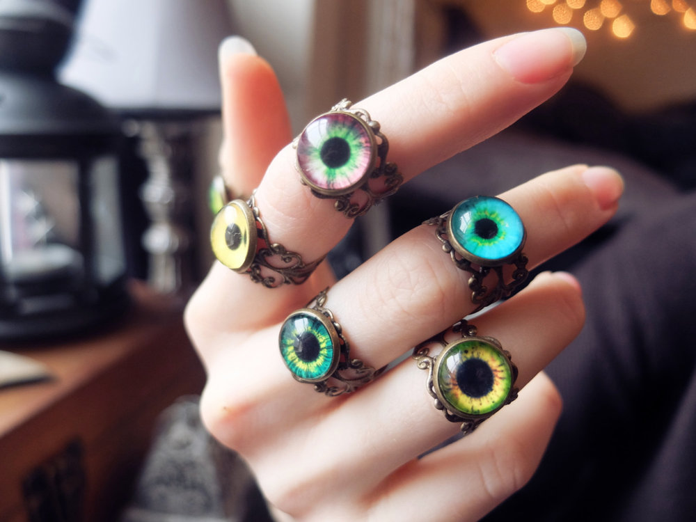 Green/Yellow Creature Eye Rings