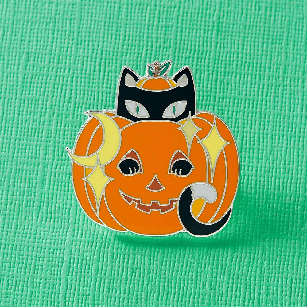 Jack-o'-Lantern Kitty Enamel Pin