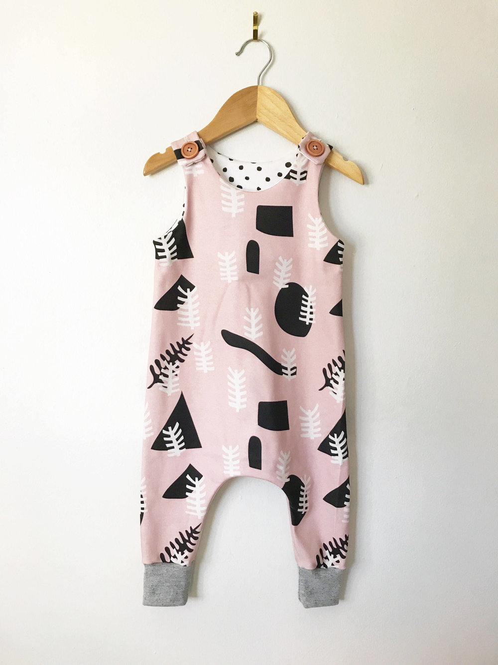 LolaandStella Organic baby and toddler clothes for the kid with style