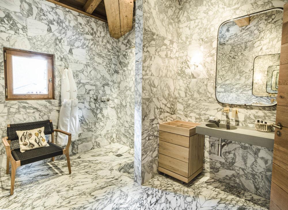 Hôtel Mourra_Junior Suite_67_salle de bains_2.jpg