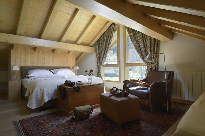 tissourds_master_bedroom_resize.jpg