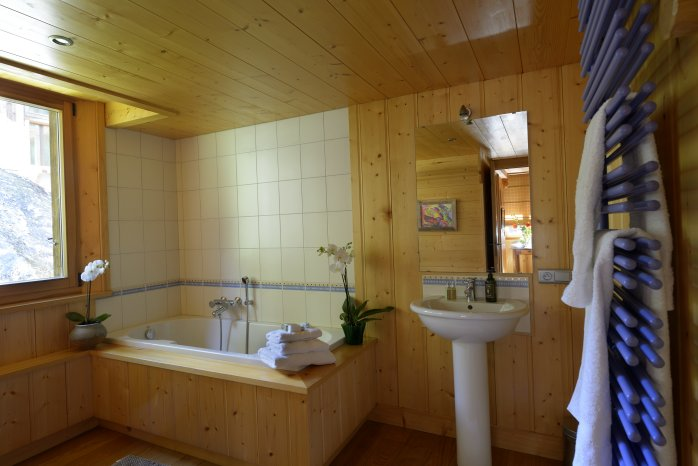 scierie_bathroom_website_698x466.jpg